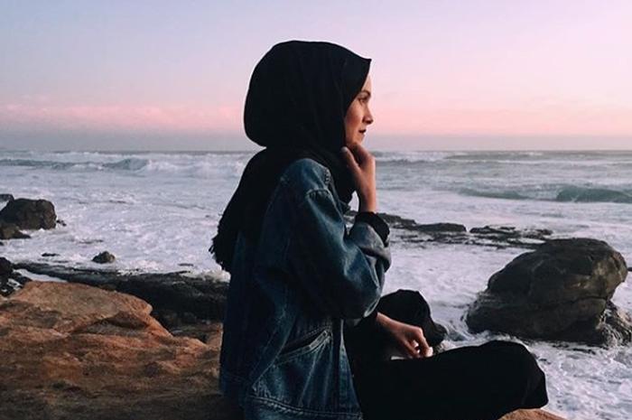 gaya foto ootd hijab di instagram buat cewek tomboy