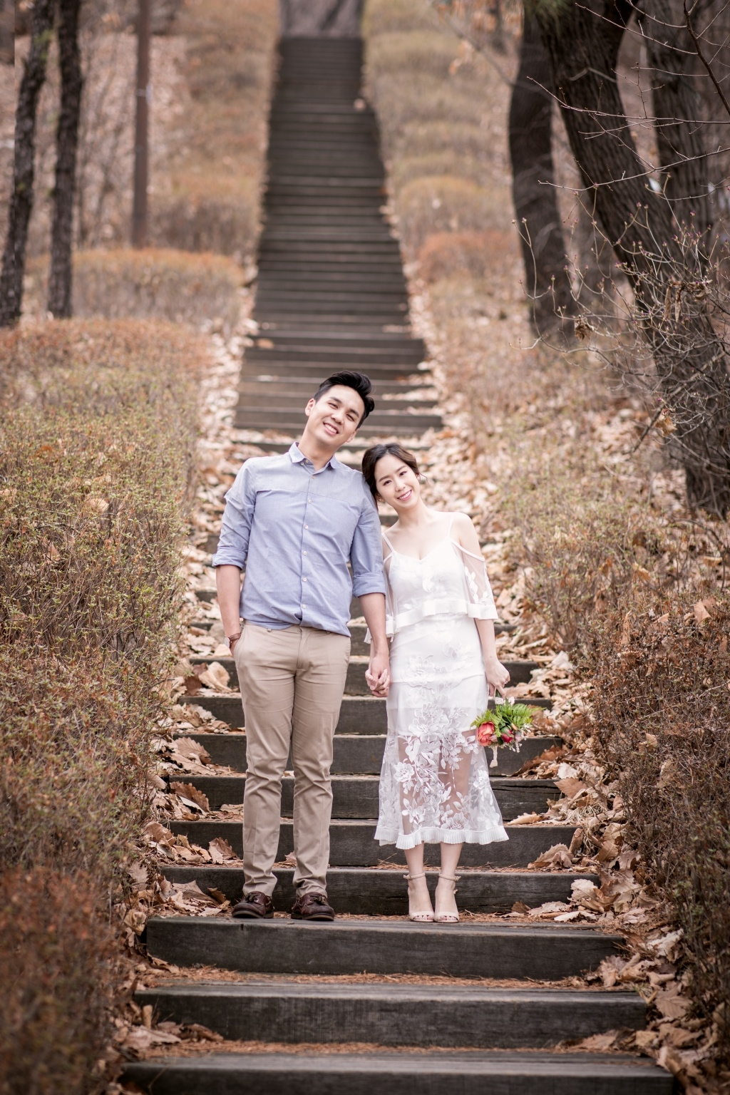 korea outdoor pre wedding photoshoot at kyunghee