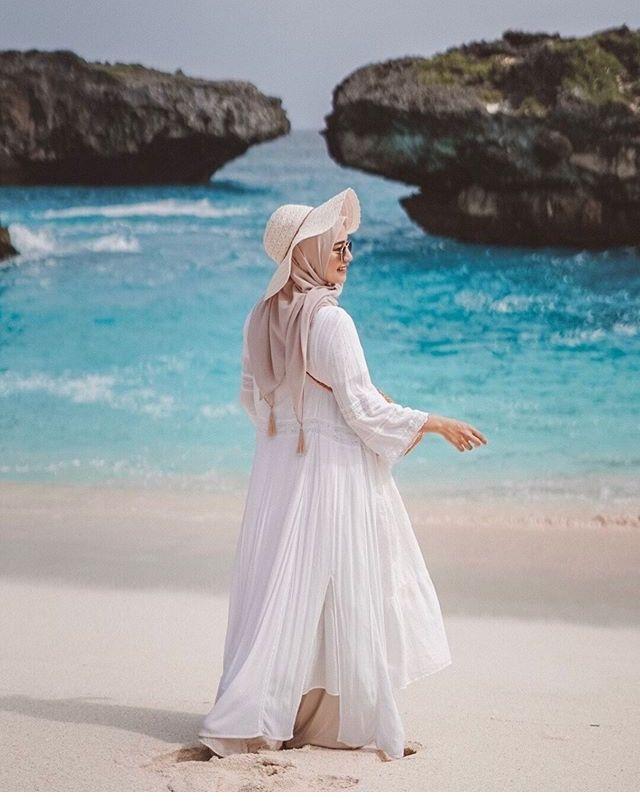 pin oleh yustia ismail di pantai dengan gambar pakaian