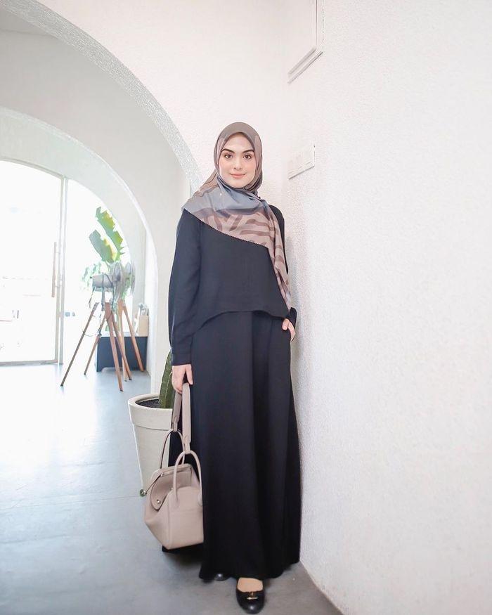 tampil simpel dengan busana muslim santun veb palwinta