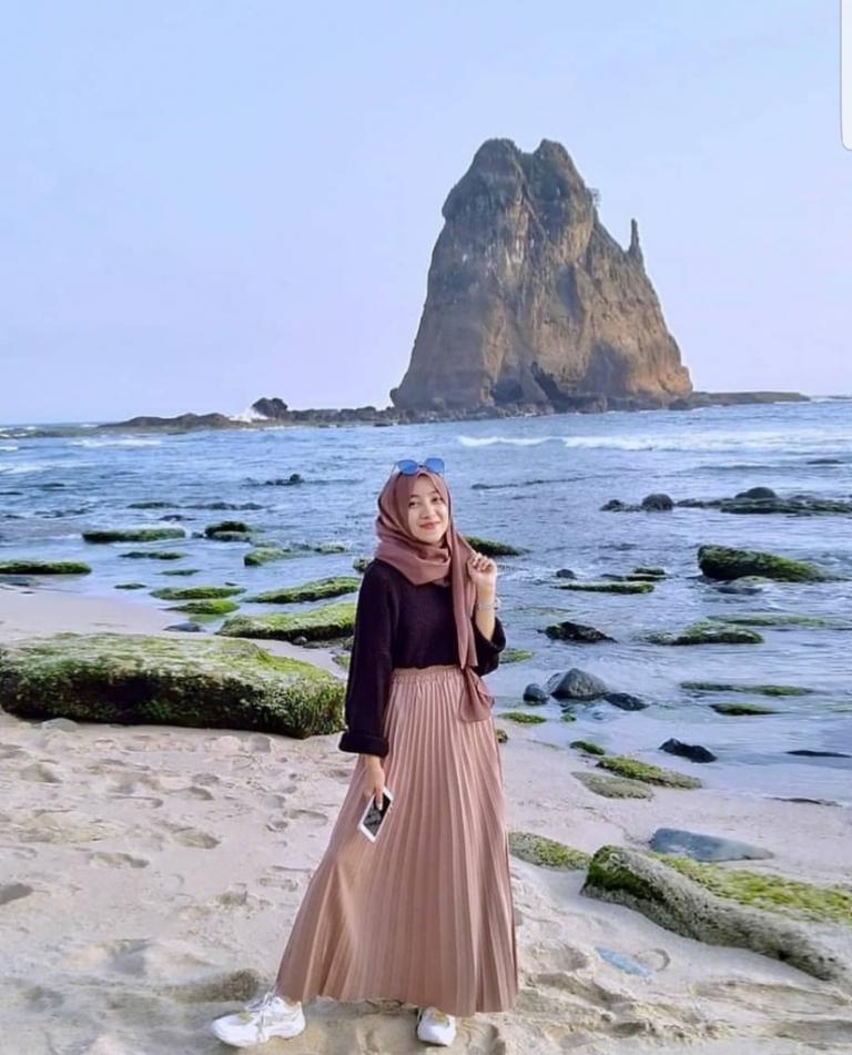 yuk intip 5 inspirasi ootd hijab pantai yang paling