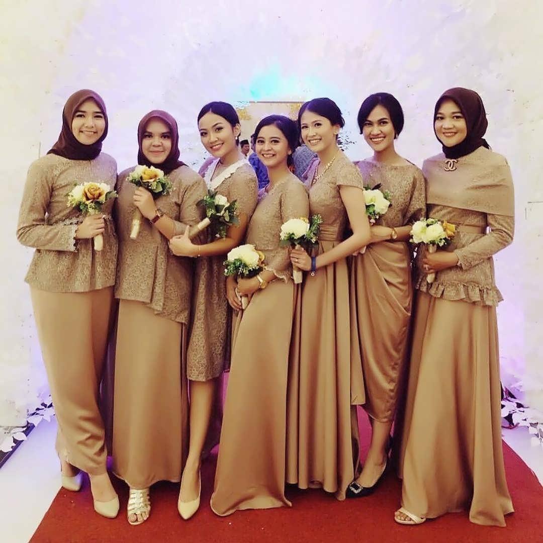 43 model baju untuk bridesmaid inspirasi terkini