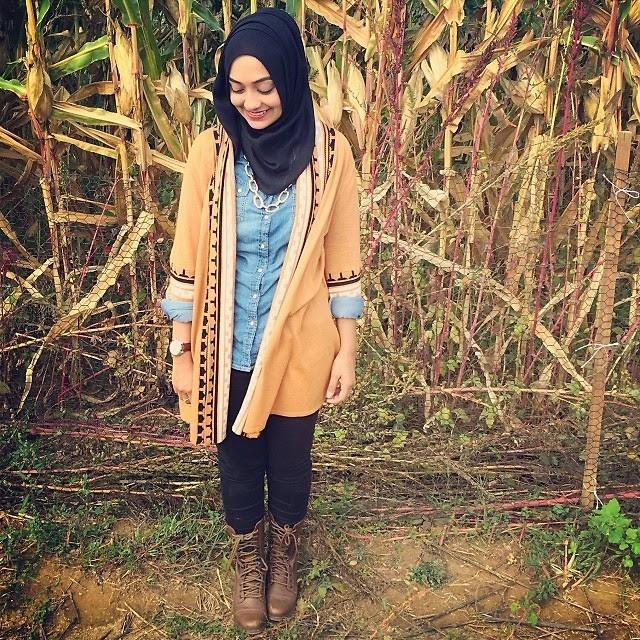 vintage hijab style with boots sania siddiqui