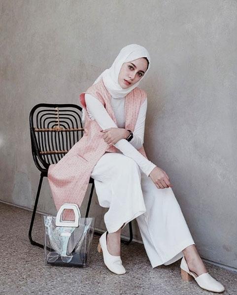4 fashion aghnia punjabi dengan kulot putih selebgram kece