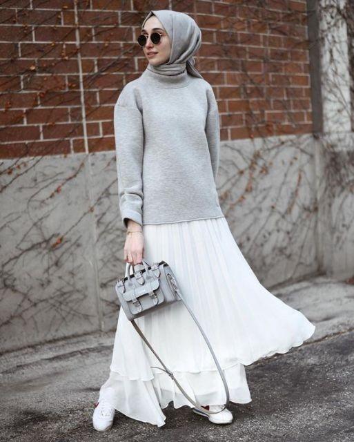 5 warna rok plisket selain hitam yang cocok dipadukan 1
