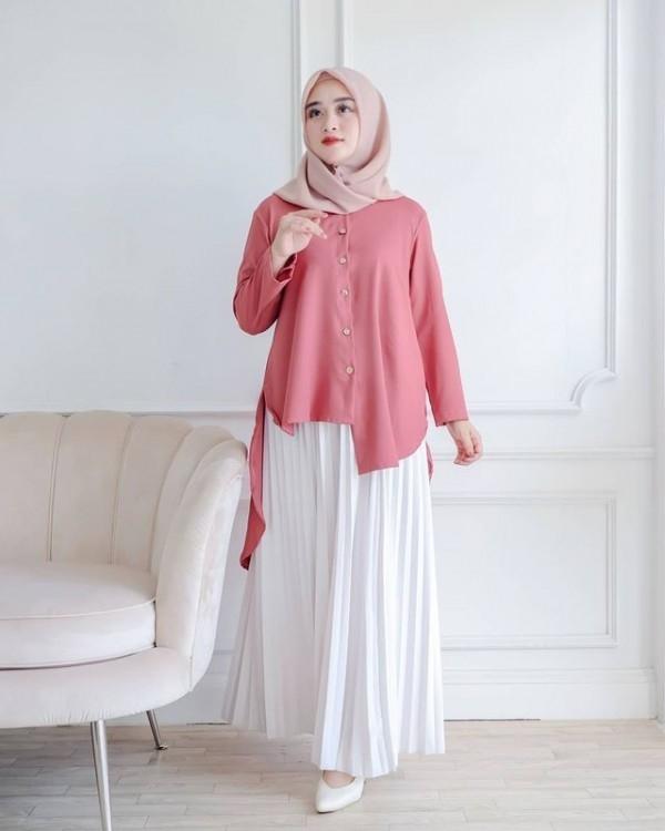 9 padu padan hijab dengan tunik dan rok ala selebgram rini