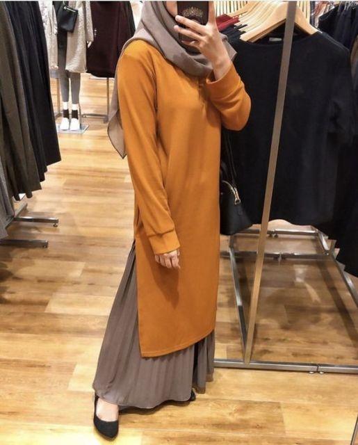 9 potret hijabers yang santun banget pakai tunik dan rok 1