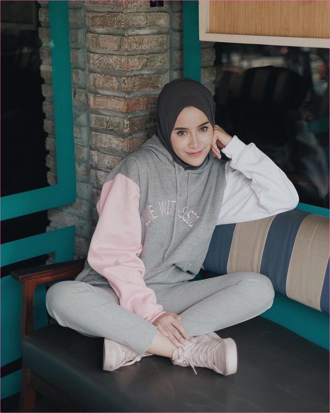 hoodie ootd sweater putih hijab jilbab gallery