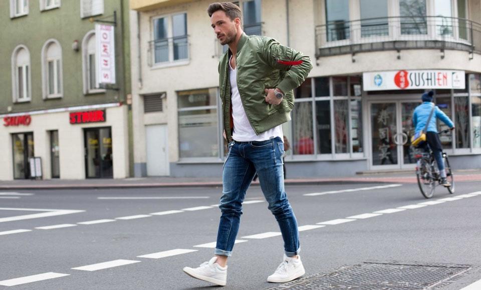 ragam model celana jeans pria berdasarkan bentuk kaki