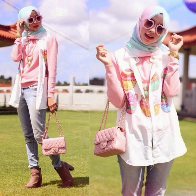 style hijab model celana jeans untuk wanita berhijab