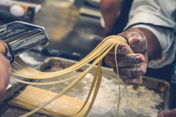 La pasta fatta in casa, ricette e pronomi.