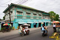Antillan style house along the main road