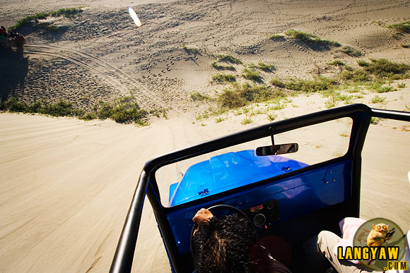 4x4 offroading fun at Ilocos Norte Sand Dunes