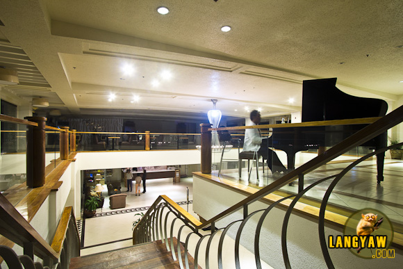 Mezzanine and stairs leading to lobby