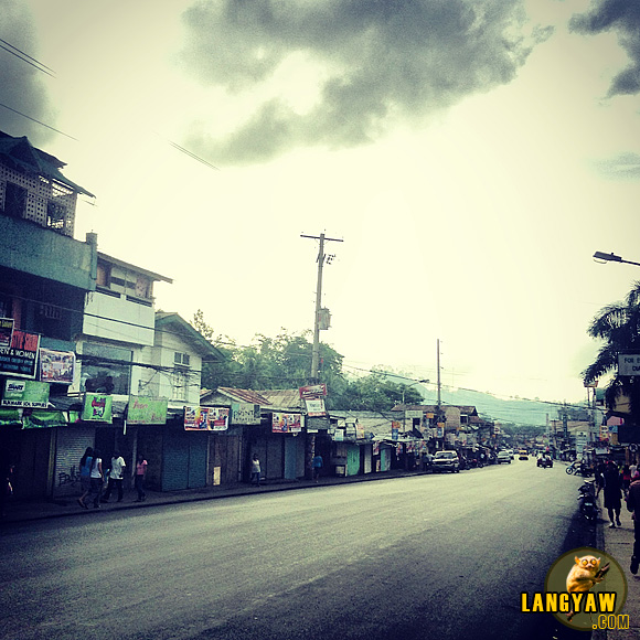 Wide and clean street, Sayre Highway in Malaybalay