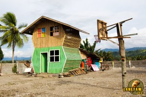 An odd house along the highway in Kapatagan, Lanao del Norte