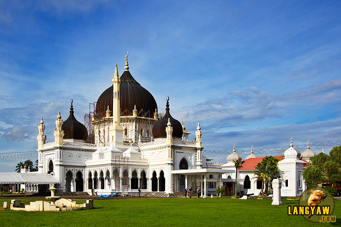 The Masjid Zahir (Zahir Mosque), beautiful, and awe inspiring