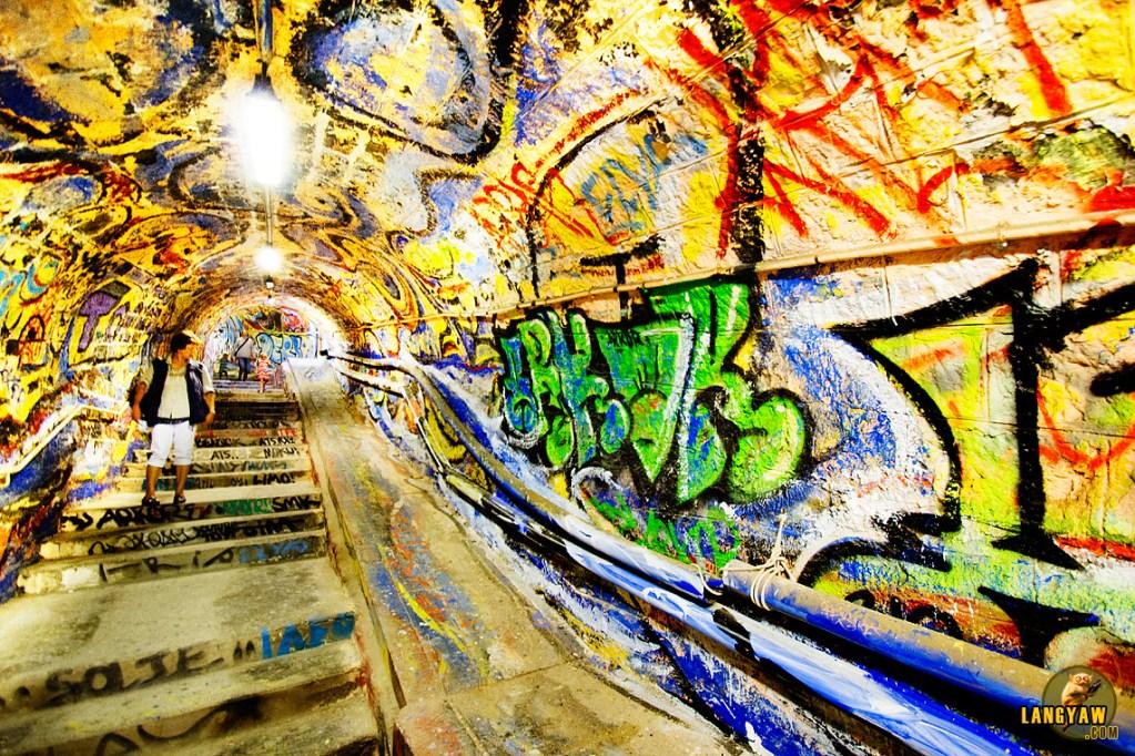 Cerbere tunnel graffiti