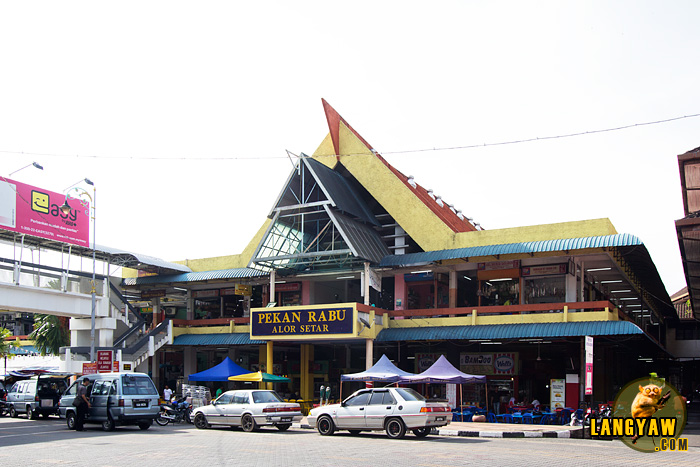 Pekan Rabu, literally, Wednesday Market, is actually an all week market open for visitors
