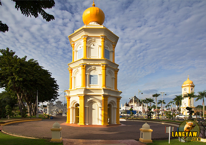 Balai Nobat is a beautiful tower that is actually where royal musical instruments are kept