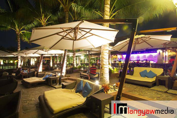 Azure Pool Bar
