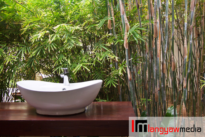 Sink at the al fresco yet private massage cabanas