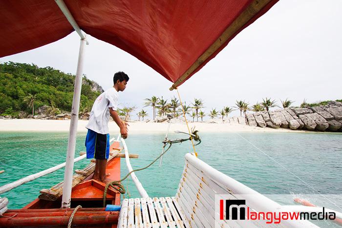 Anchor away! Approaching Antonia Beach in Isla Gigantes Sur