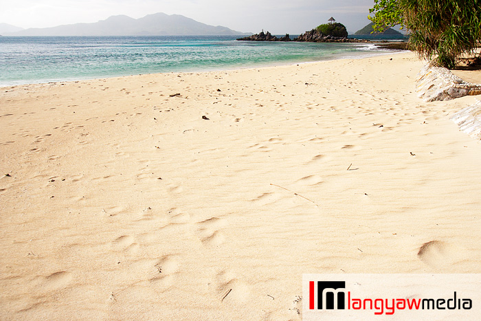 Sandy, sandy shore