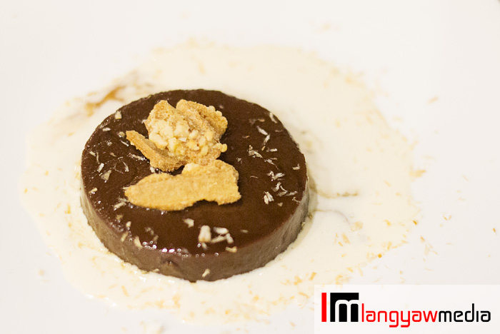 Tablea flan with coffee syrup, a very delicate and velvety dessert