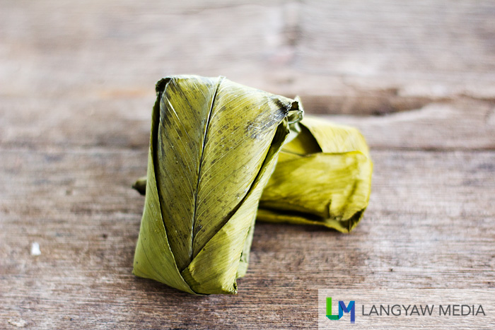 While traditional rice cakes are wrapped in blanched banana leaves, the binamban uses a dicot plant,