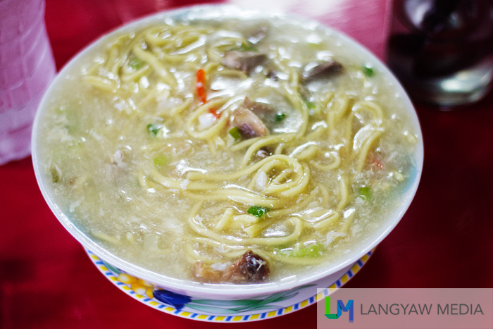 A bowlful of hot lomi