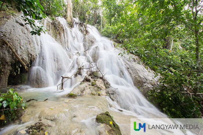 We stopped going up because of the strong water but there were still cascades above said to be emanating from a cave