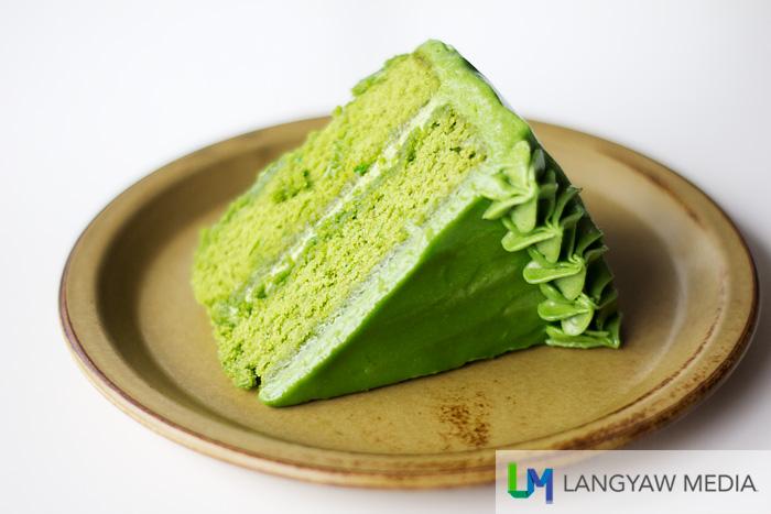 Heavy matcha pound cake