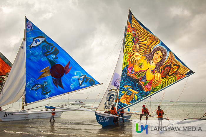 Stunningly beautiful and colorful sail of one paraw that really got my attention!