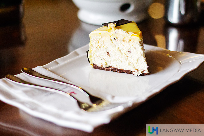 Inviting isn't it? And for cheesecake lovers, this is a must try.