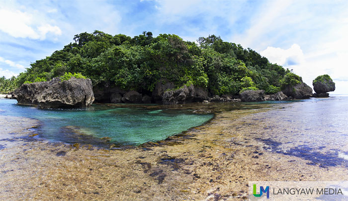 Magpupungko Rock and Tidal pools in Pilar, Siargao