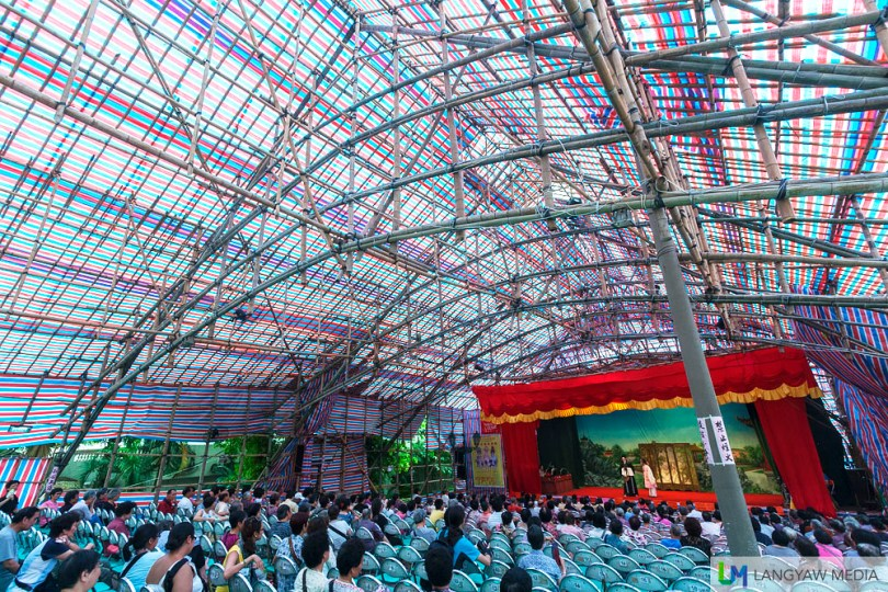 The temporary theater, built infront of the A-Ma Temple is made of bamboo and covered with plastic