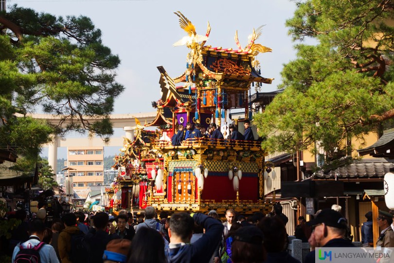 Takayama is a beautiful Japanese city with its still existing original traditional houses but it is the Spring and Autumn Festivals where the city really comes alive