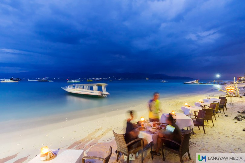 Dusk at the beachfront of Gili Trawangan where we had dinner at Scallywags Restaurant