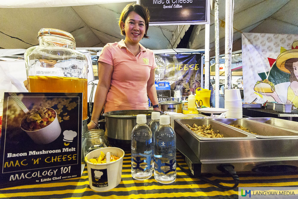 Joan-Paula of Little Chef  is hands on with her Macology 101 mac n' cheese stall at Sugbo Mercado
