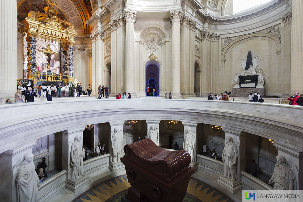 looking down on napoleon bonaparte at the domes des invalides langyaw. Black Bedroom Furniture Sets. Home Design Ideas