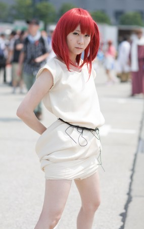 c84-day-1-cosplay-very-hot-indeed-17