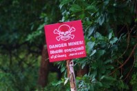 Danger mines! South of Elephant Pass