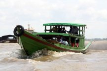 Boat racing on Irrawaddy