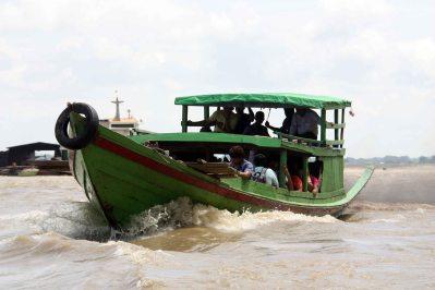 Boat racing on Irrawaddy