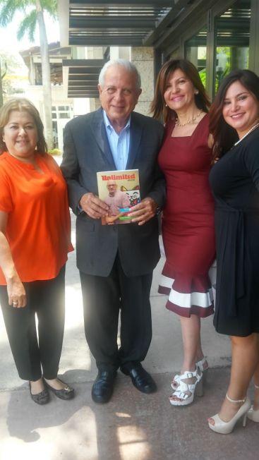 Roxana Corcuera, el alcalde Tomás Regalado, Marybel Torres y Rosana Cantillo.