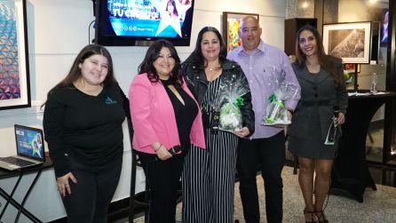 Ashley Sotolongo, Jessica Sotolongo, Eli Rodriguez y unos invitados