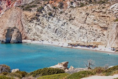 Milos, los encantos de la isla griega