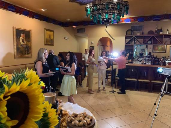 La abogada de la ciudad Miriam Soler conversa con Drelly Rios