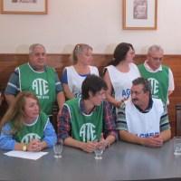 """Docentes y estatales de Entre Ríos decidieron """"romper el techo salarial"""""""